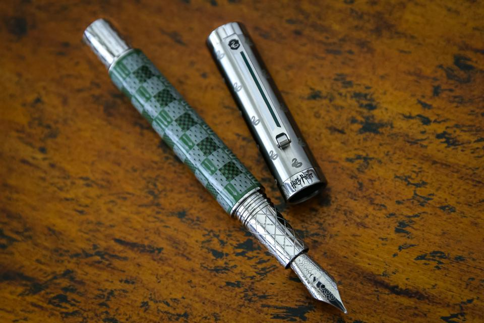 From Montegrappa's Harry Potter House Colors Collection.