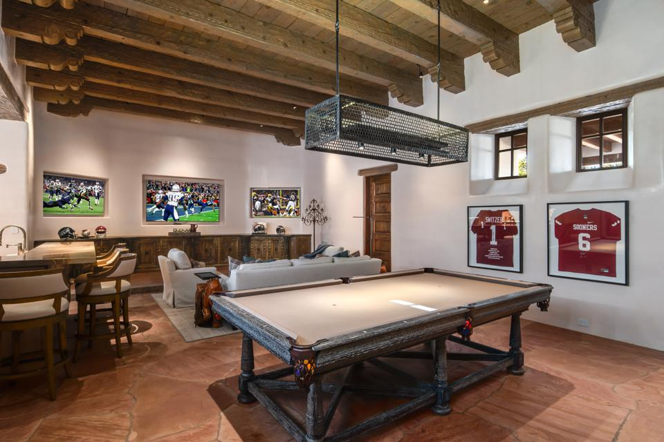 Game room with TVs, pool table