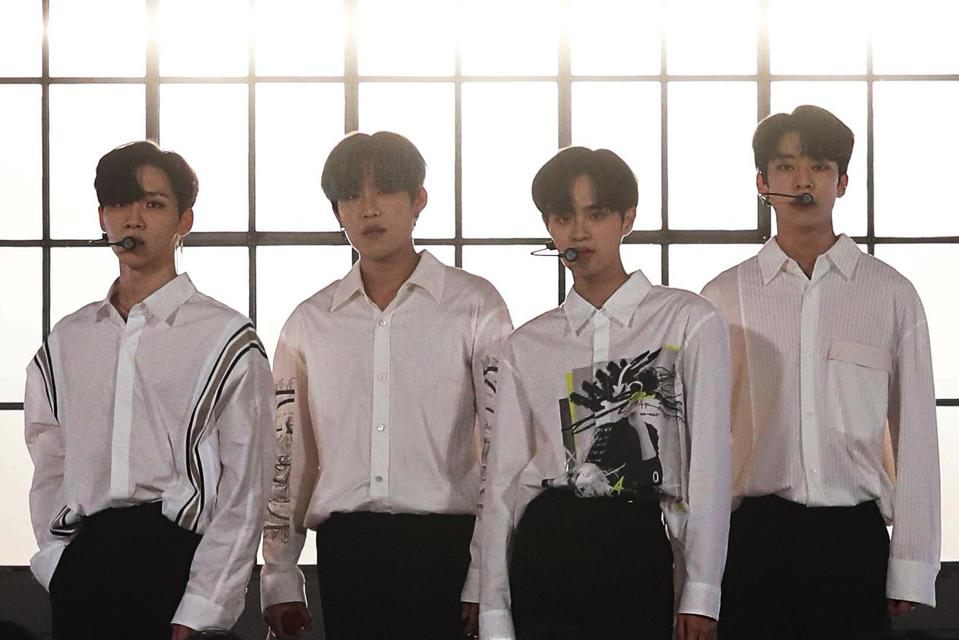 AB6IX ″Surreal″ performance video Vevo DSCVR photo exclusive