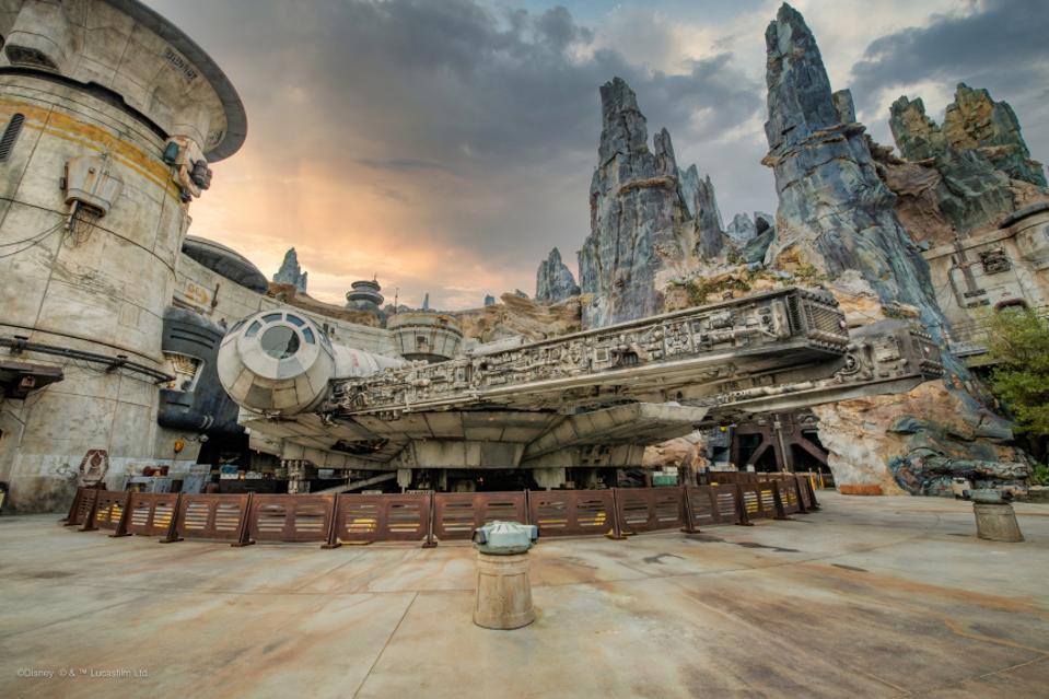 Star Wars Galaxy's Edge: Adventure Awaits