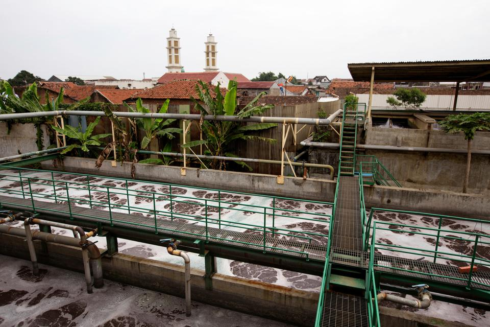 Water management: Effluent Treatment Plant at the supplier factory Kahatex, Indonesia.