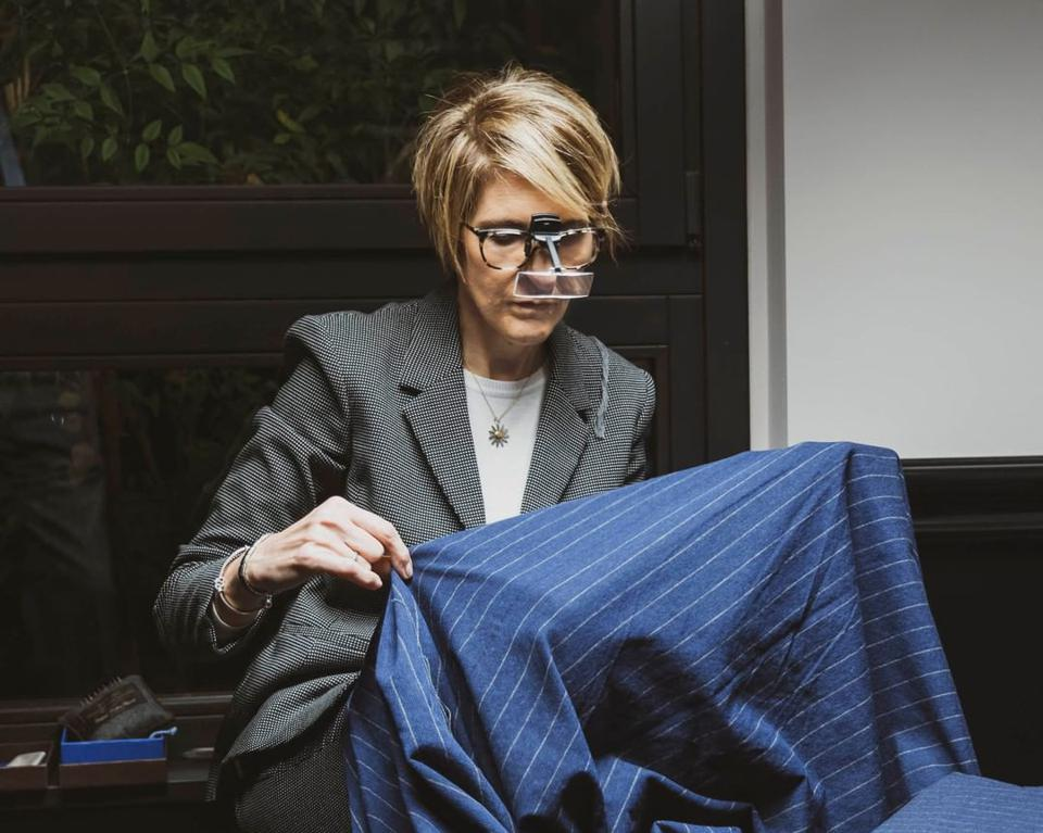 Laura Ivaldi has been working at Vitale Barberis Canonico for 16 years, and is in charge of the mending department