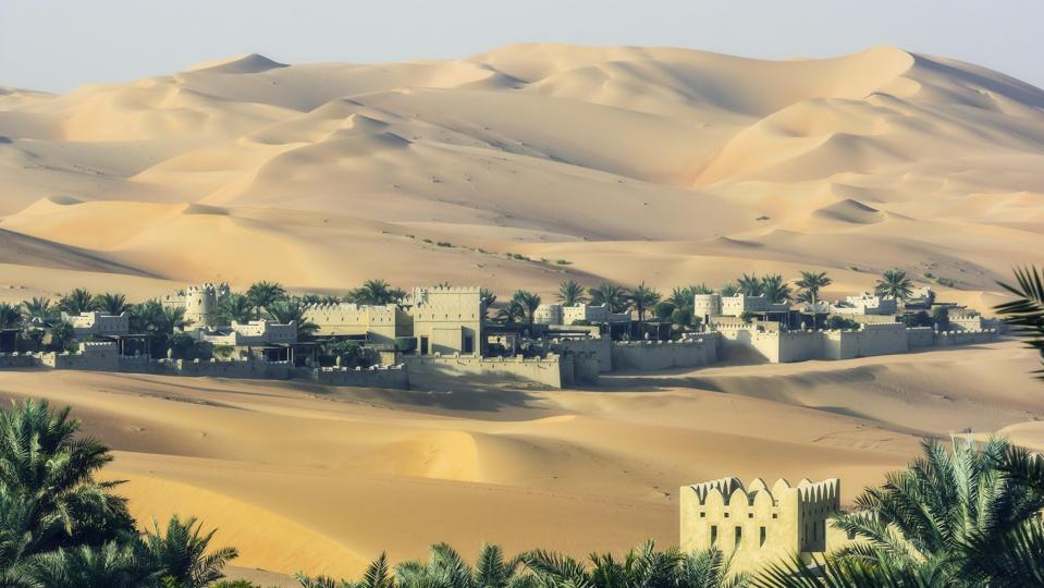 Hotel Qasr Al Sarab, in the middle of sand dunes, Rub al-Khali desert, Abu Dhabi, United Arab Emirates, Middle East