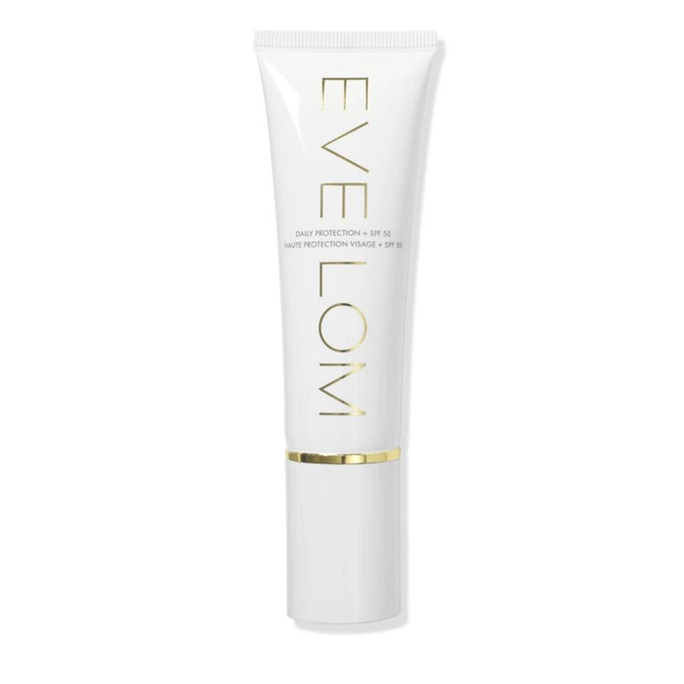 A new generation in daily sunscreen that provides broad spectrum defense against both UVA and UVB rays, as well as protecting from pollution, free radicals and environmental damage.