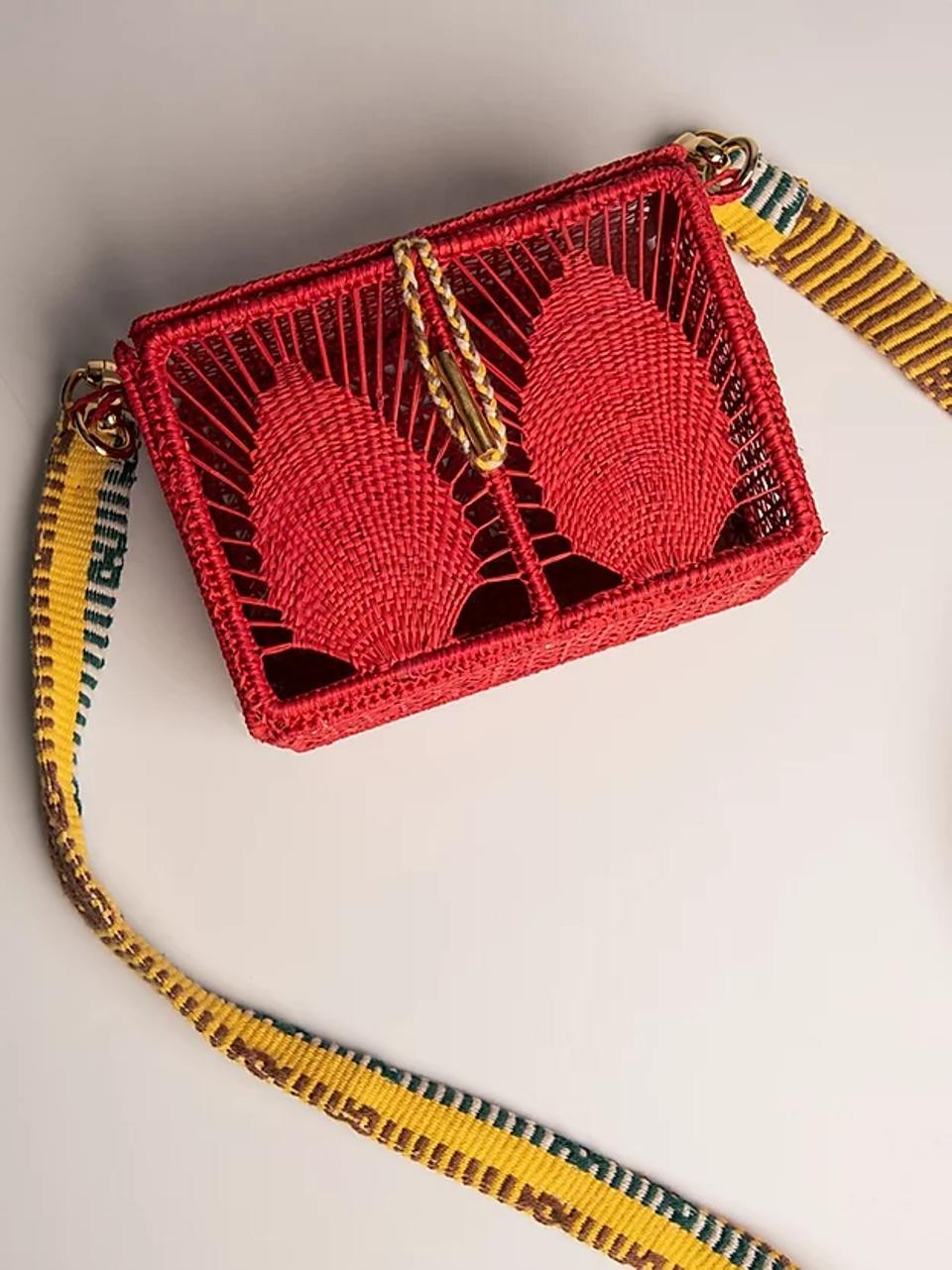 Dress to impress with this statement purse that has been hand-made by talented Colombian artisans.