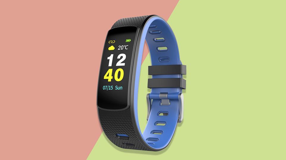 Un'immagine promozionale del fitness tracker IWOWN I6HRC.