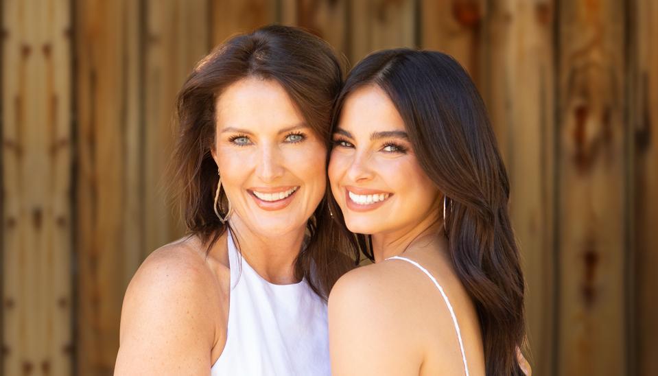 Un'immagine di Addison Rae e di sua madre Sheri Easterling