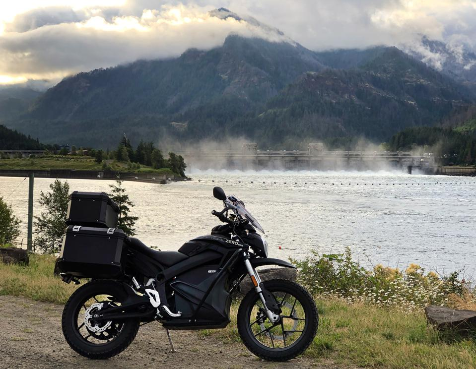 Zero DSR/BF Black Forest Electric Dual-Sport Motorcycle at the Bonneville Dam in Oregon.