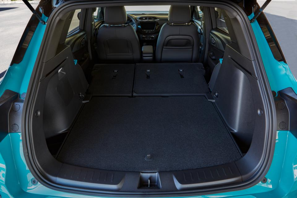 Trailblazer Cargo room is a spacious 25.3 cubic feet, and expands to 54.4 cubic feet with the rear seatbacks folded.