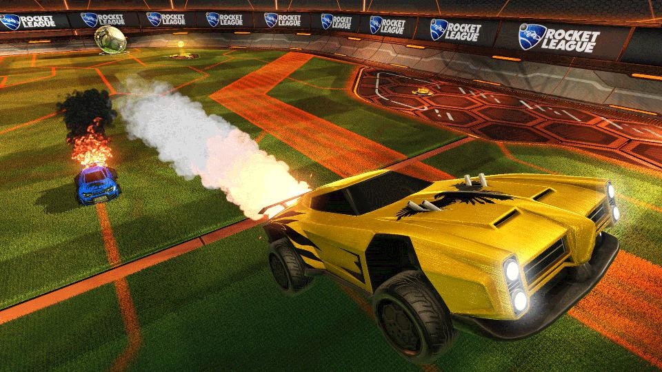 Un'auto gialla