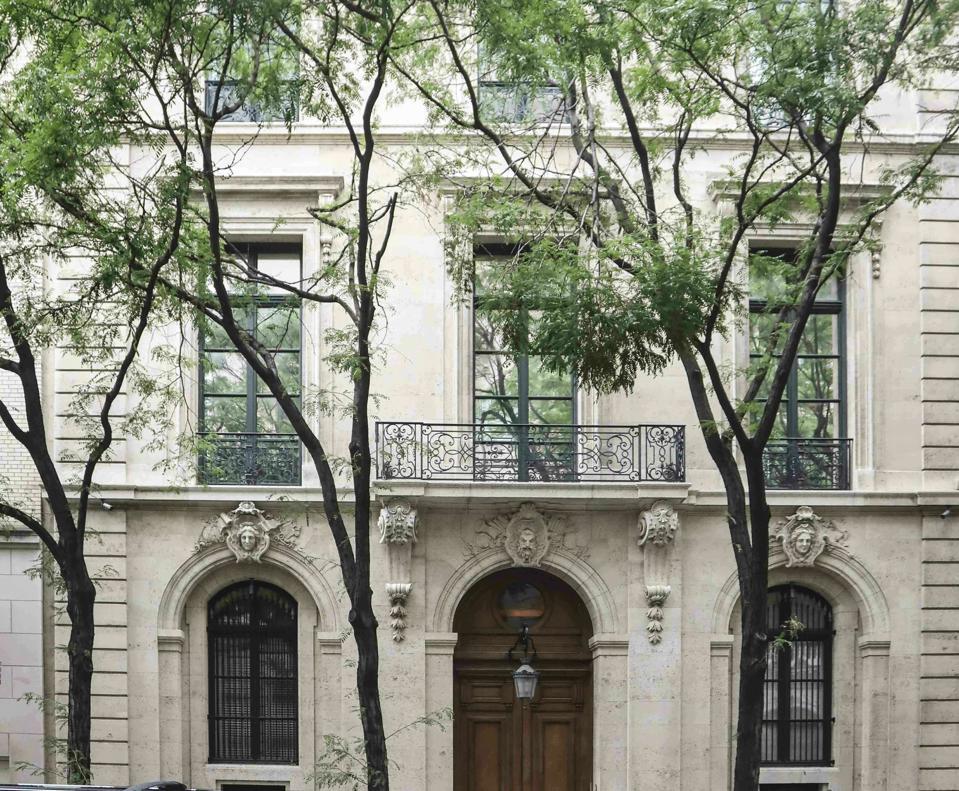 Jeffrey Epstein, Upper East Side townhouse, Modlin Group, luxury real estate.