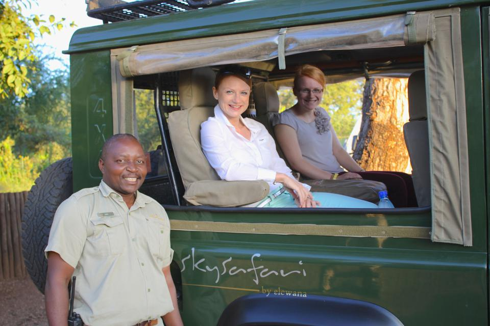 SkySafari guide with clients