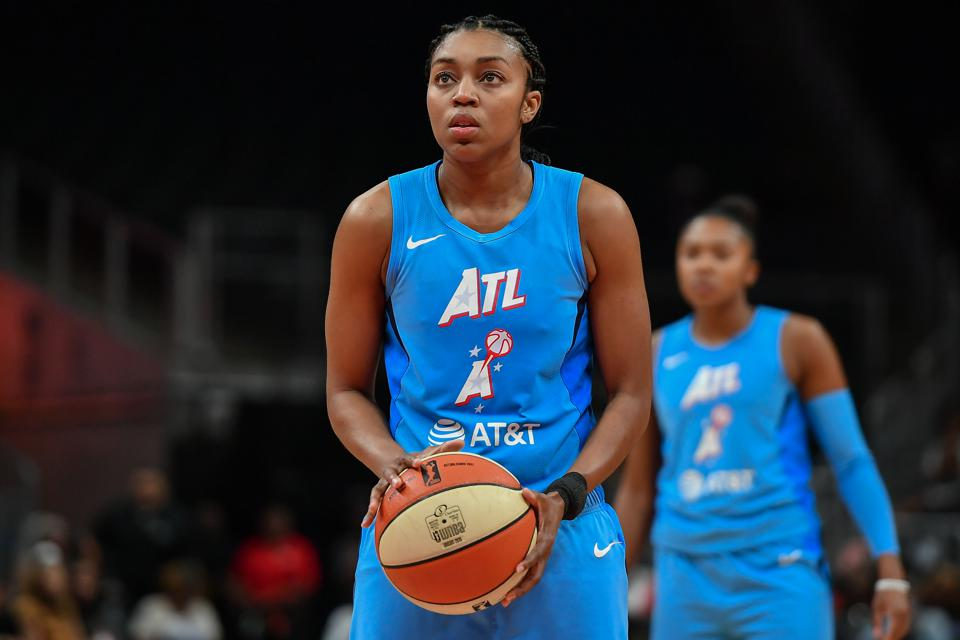 ATLANTA, GA  SEPTEMBER 05:  Atlanta's Renee Montgomery (21) shoots a free throw during the WNBA game between the Las Vegas Aces and the Atlanta Dream on September 5th, 2019 at State Farm Arena in Atlanta, GA. (Photo by Rich von Biberstein/Icon Sportswire via Getty Images)