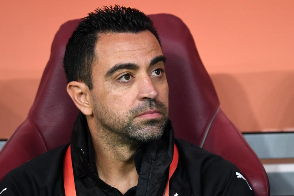 Die Legende des FC Barcelona, Xavi Hernandez, hat positiv auf COVID-19 getestet.