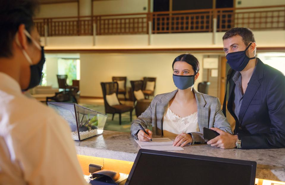 hotel covid-19 mask requirement