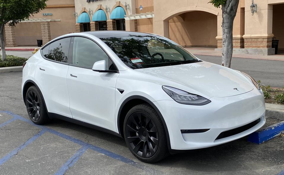 Tesla Model Y 'standard range″ isn't offered for a reason.