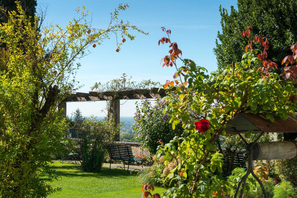 The gardens at Villa Cipriani welcome visitors each day.