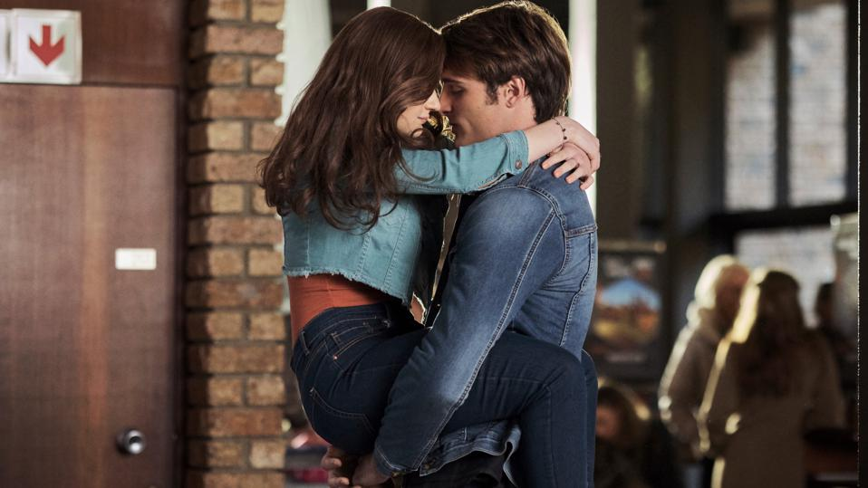 Kissing Booth 2,' Netflix's Most-Watched Movie, Turns 'Twilight ...