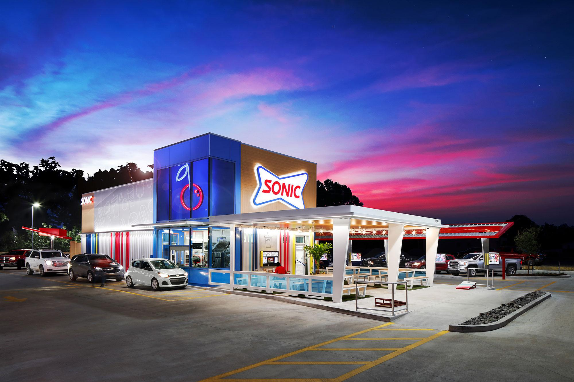 Sonic's app saw new users more than double each week during the pandemic's spring peak, helping the chain became one of industry's the best performers.