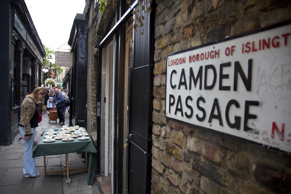 UK - Tourism - Camden Passage Antique Market in London