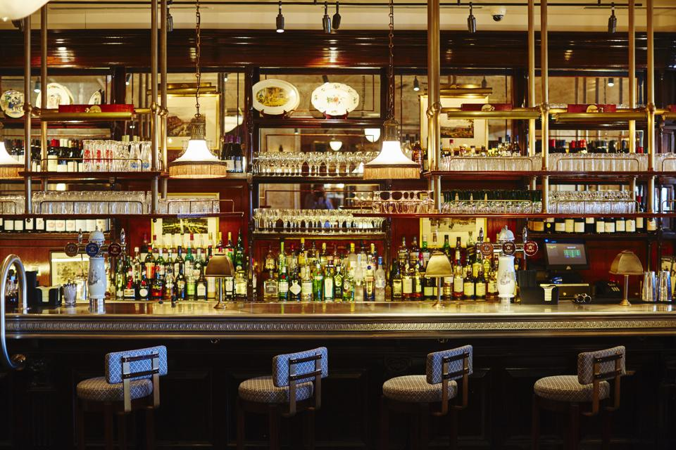 The bar of Bellanger in Islington