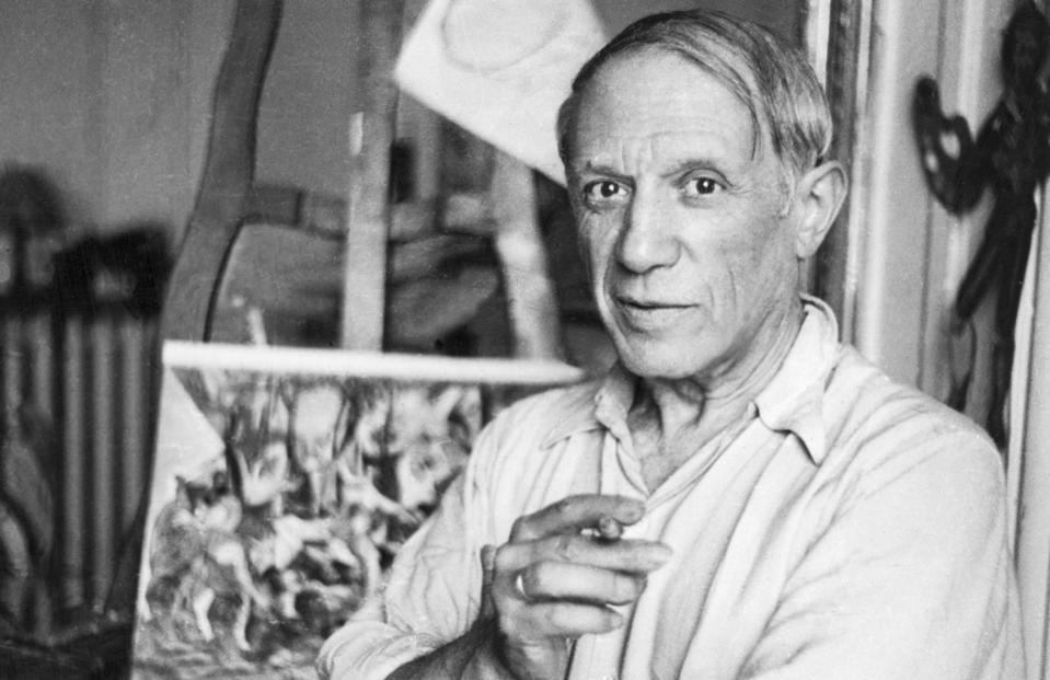 Pablo Picasso, Guernica, Paris, studio, Spain