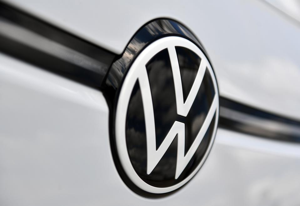 Volkswagen also suffered in the first half of the year, but promises a full-year profit.