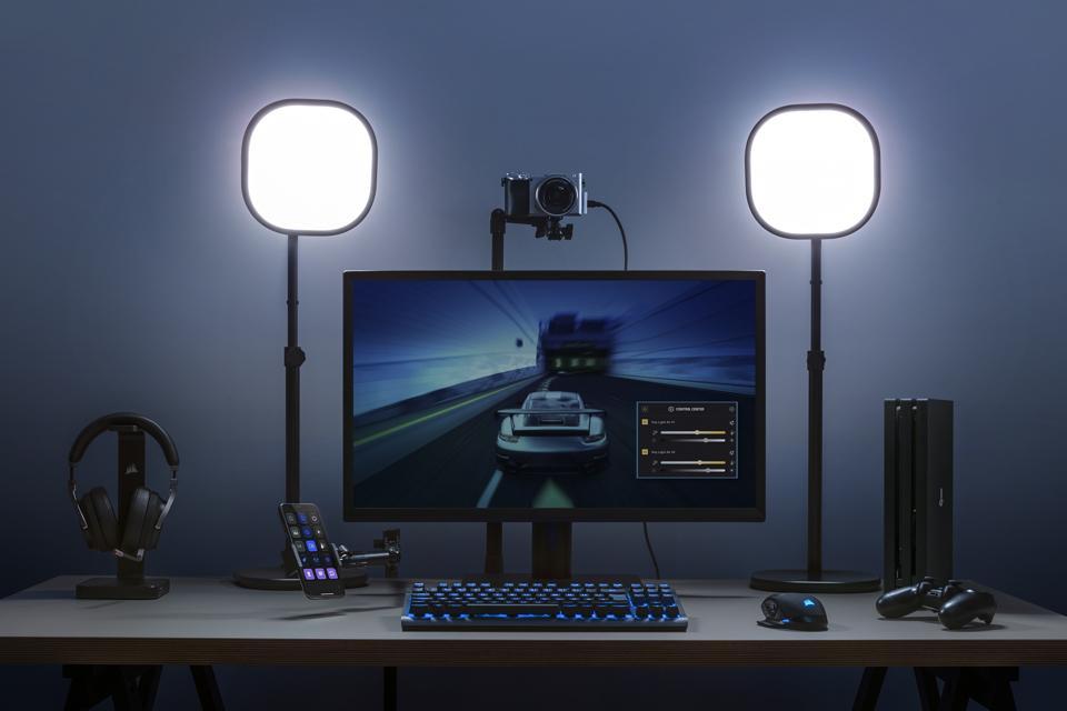 Elgato Key Light Air è dotato di controllo WiFi tramite software e smartphone per regolare la luminosità e la temperatura del colore