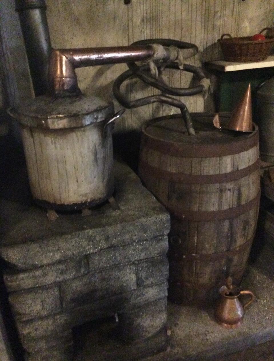 An Irish ″little pot″ Poitín Still