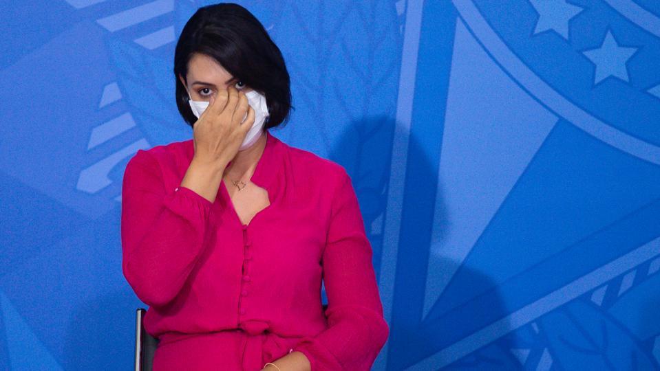 Bolsonaro's Wife, Michelle Bolsonaro, Is Diagnosed with COVID - 19