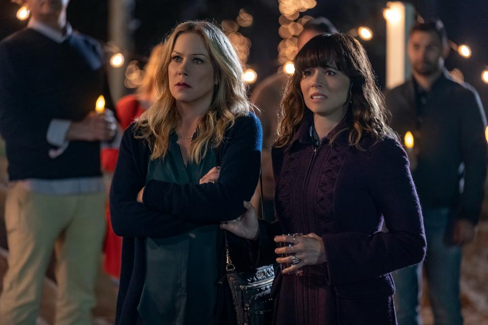 Christina Applegate, Linda Cardellini and James Marsden are spectacular in 'Dead to Me' which has been described as a traumedy and tragicomedy.