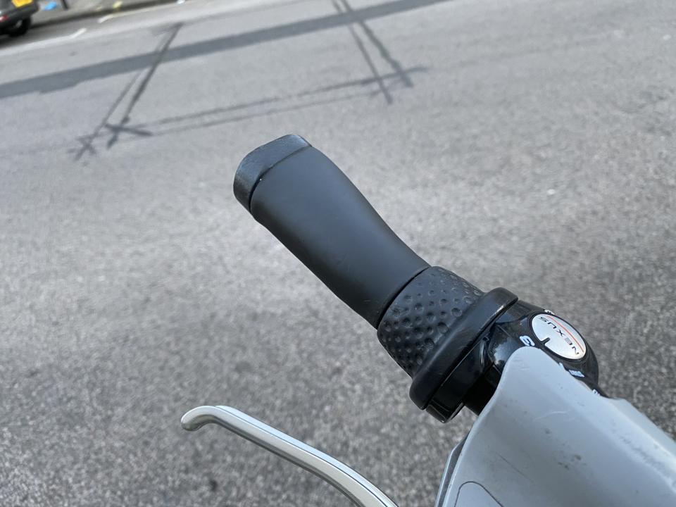 Manubrio Santander Cycles versione 2. Più piccolo e più facile da impugnare.