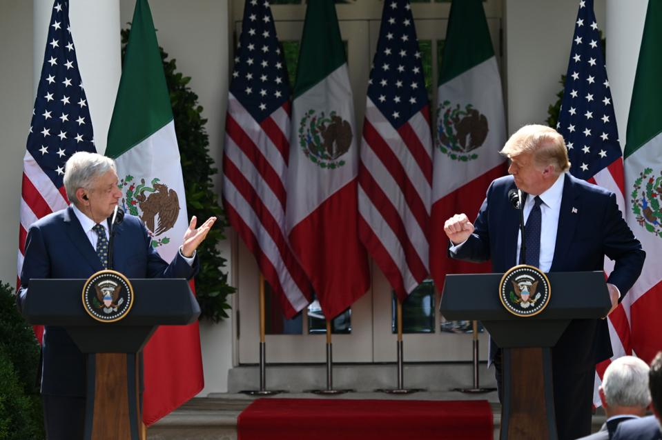 TOPSHOT-US-Mexico-diplomacy-trade-TRUMP-LOPEZ OBRADOR