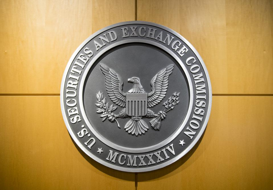 A picture of the U.S. Securities and Exchange Commission's sign.