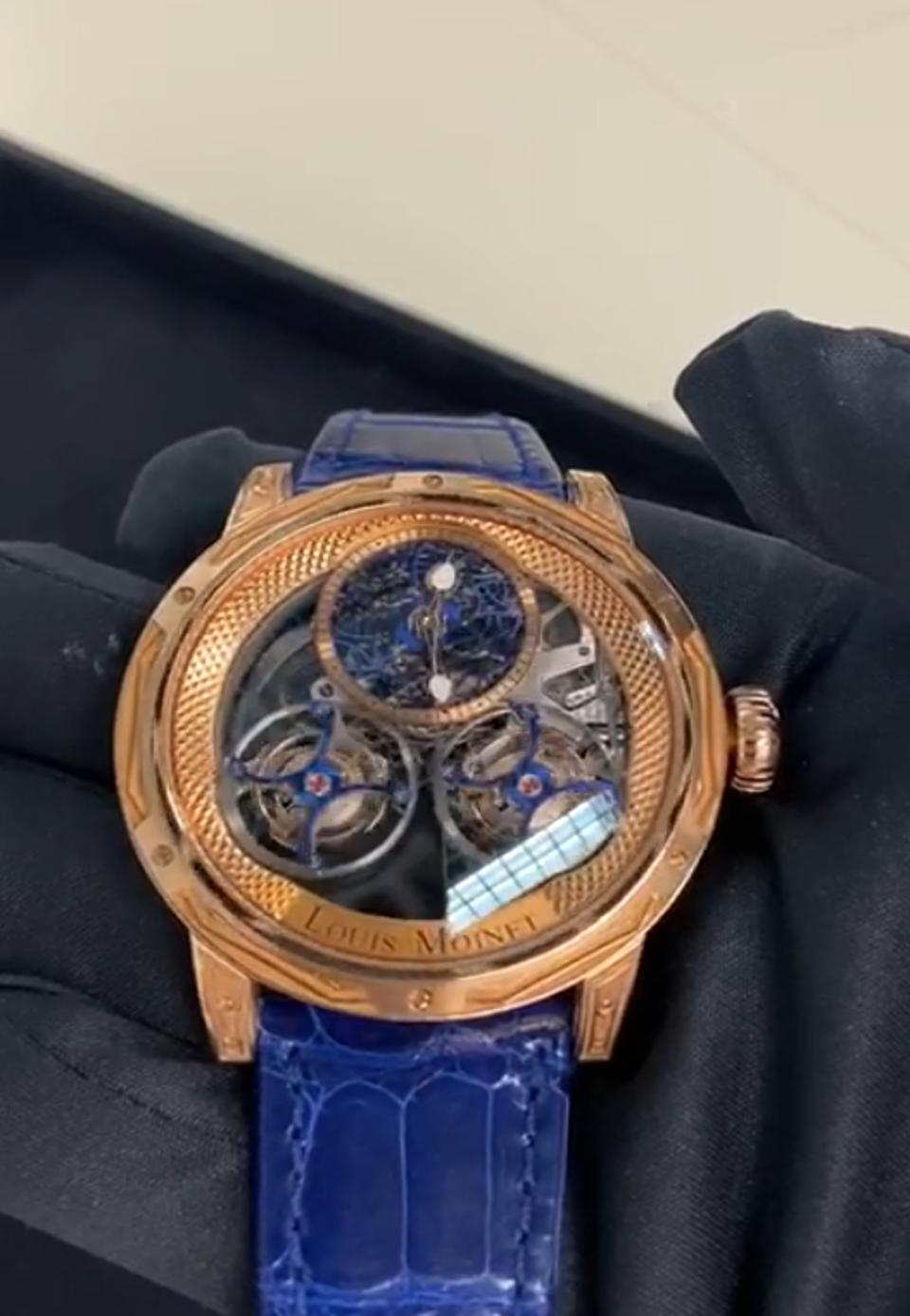 A consumer can watch the quality control of his watch live and digitally
