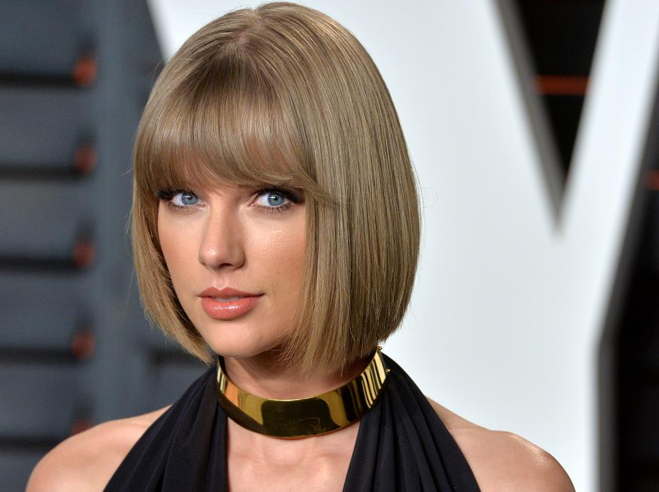Taylor Swift Debuts Three Songs Inside The U K Top 10 As Her Album Starts At No 1