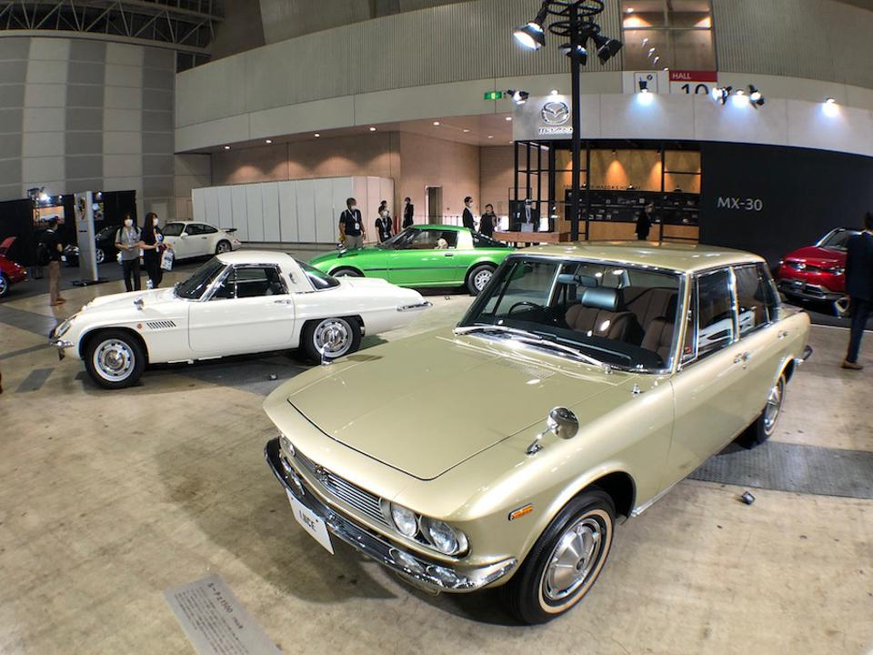 Mazda also displayed a Luce, Cosmo Sport, and RX-7.