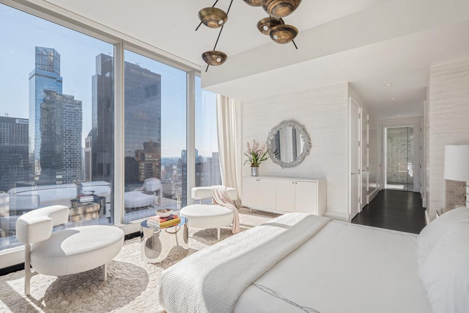 Central Park Tower, Pembrooke & Ives, New York, master suite, sitting area, Extell