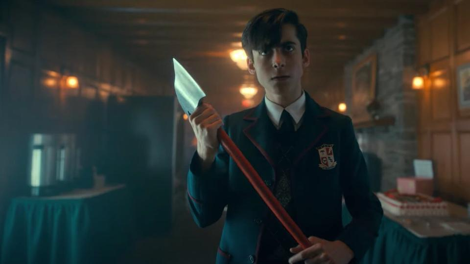Netflix's 'The Umbrella Academy' Season 2 Time Travel Makes No Sense, But  It's Good Anyway