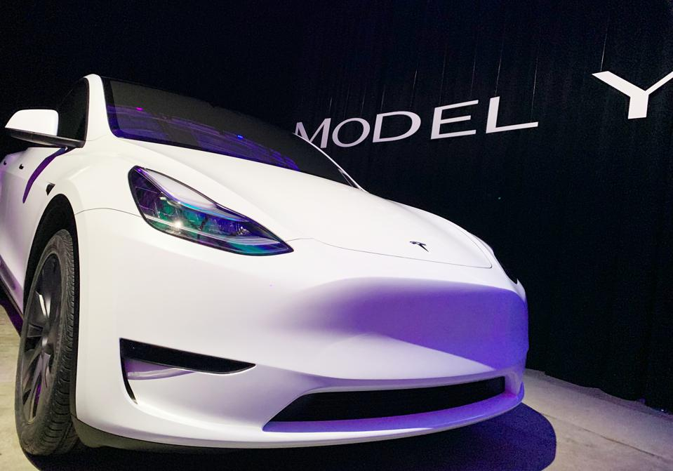 14 March 2019, US, Los Angeles: The new Tesla Model Y is introduced.