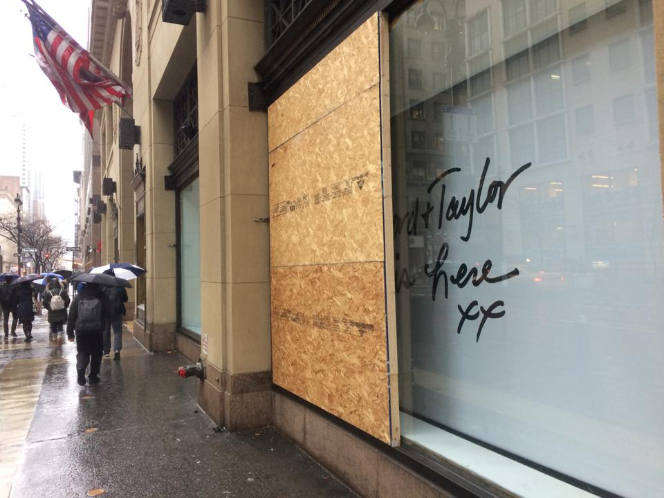 Lord & Taylor Fifth Avenue closure