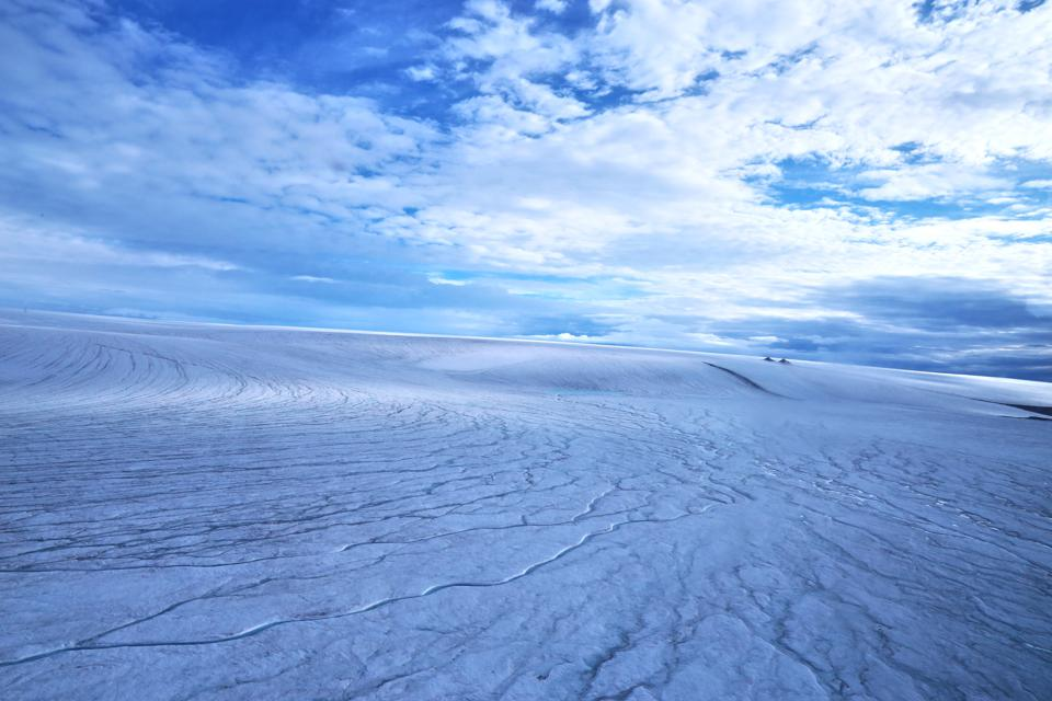 UBC researchers have concluded that early Martian landscape probably looked similar to this image of the Devon ice cap.