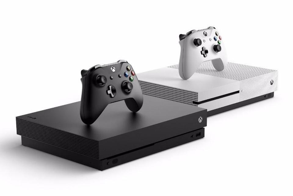 Xbox One X and S
