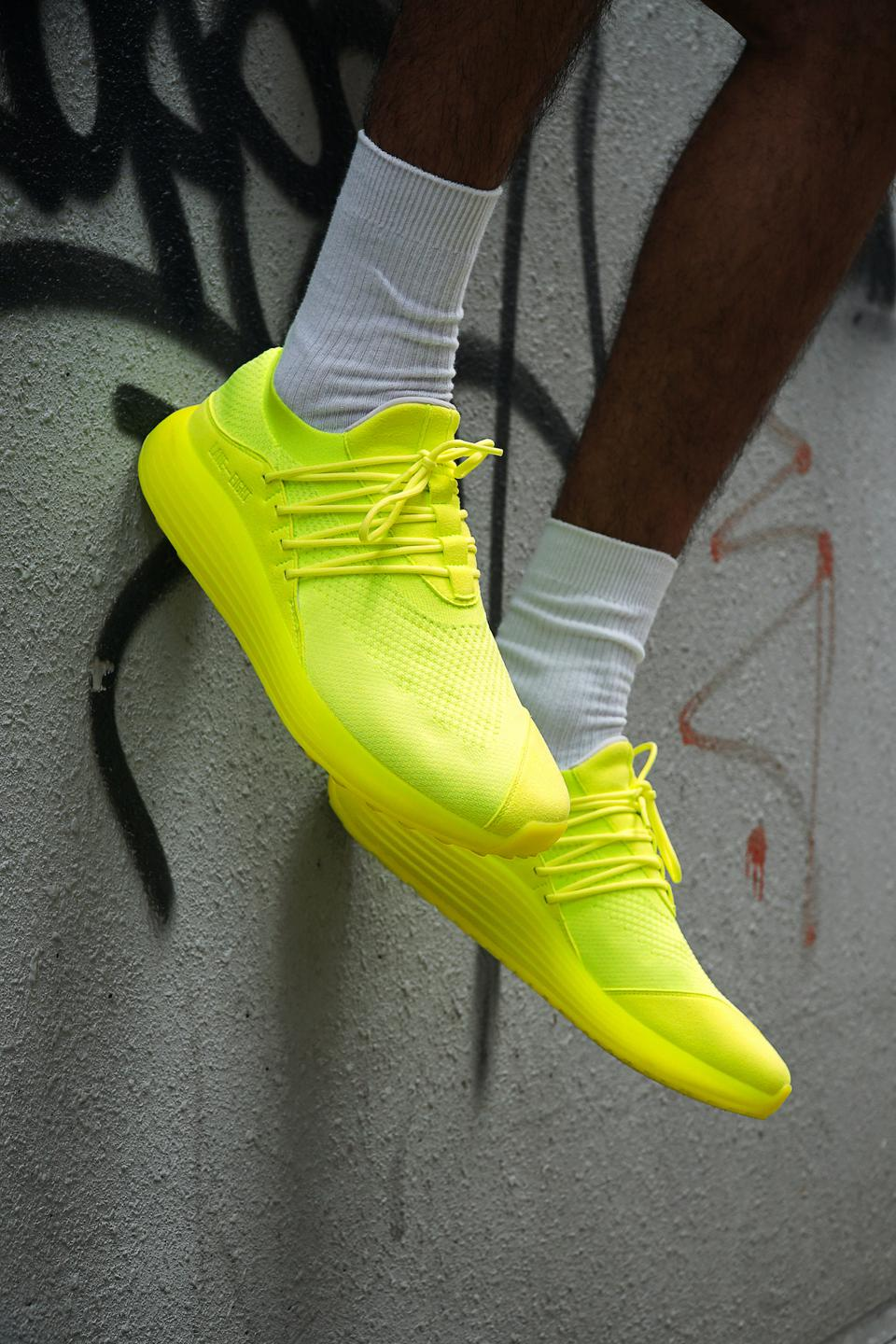 The new neon yellow composed of microfiber, recycled polyester from 11 plastic bottles and algae-based midsole.