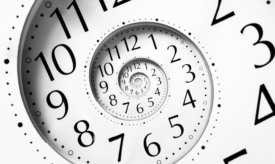 Clock in an infinite spiral denoting leader responsiveness
