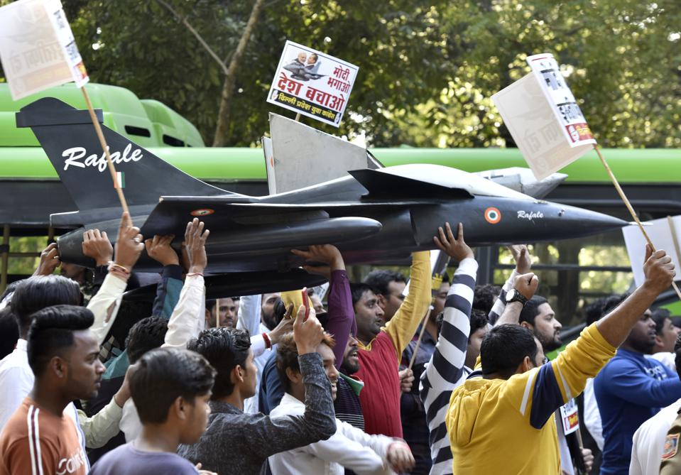 Congress Supporters Protest Against BJP Over Rafale Deal