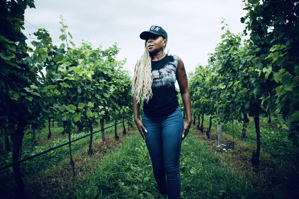 Mary J. Blige among the vineyards of the Fantinel WInery.