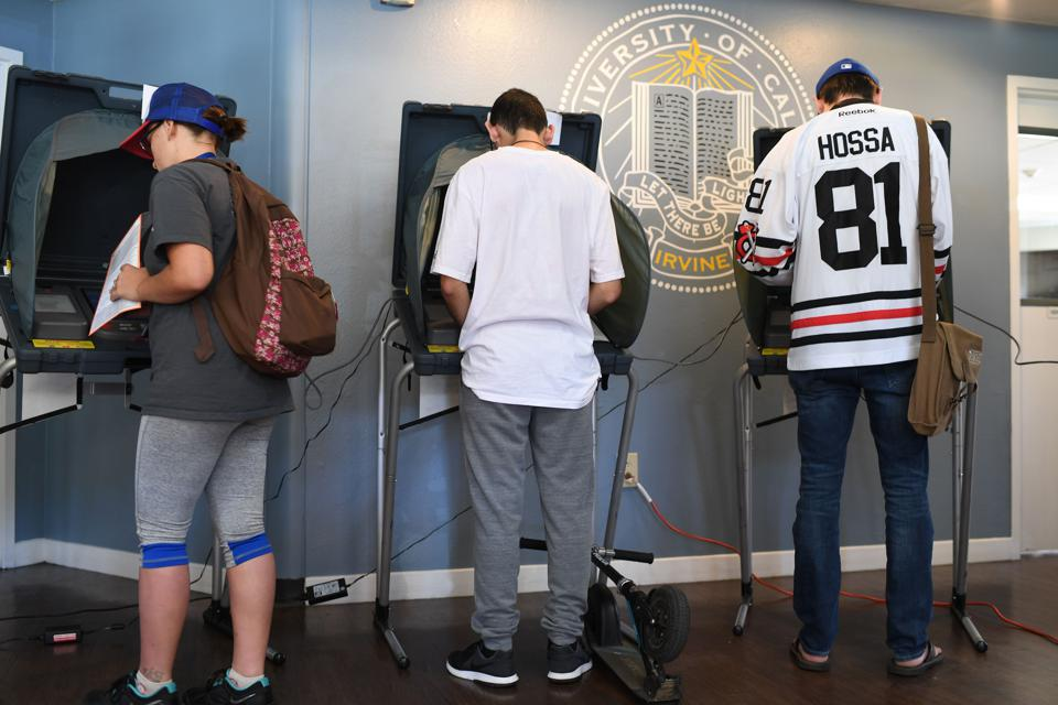 Students vote at University of California Irvine