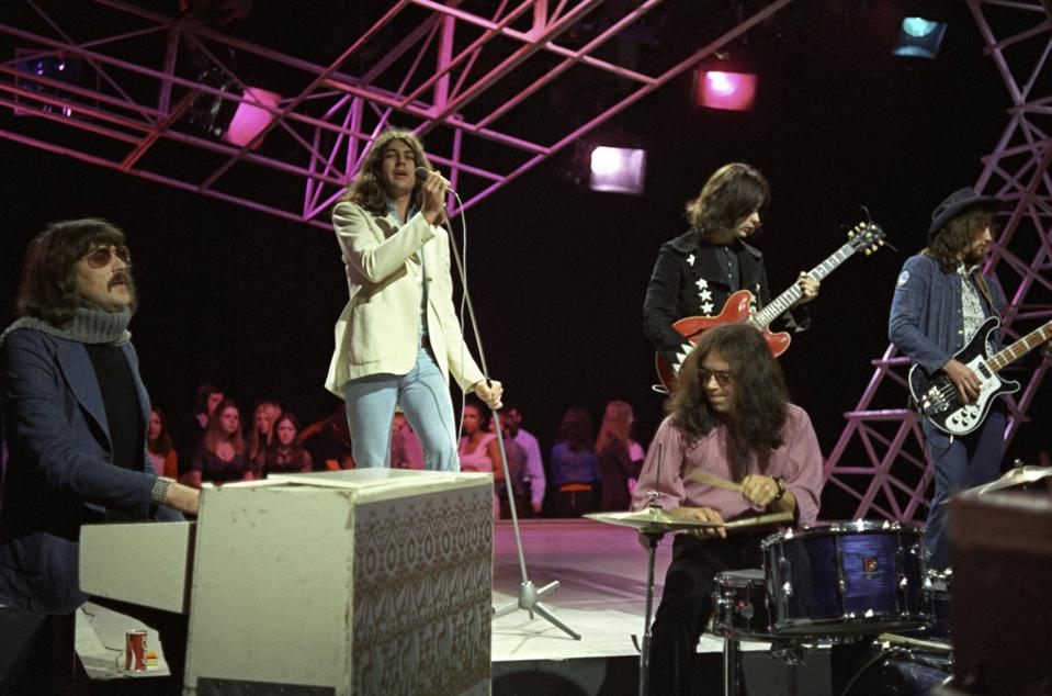 Photo of DEEP PURPLE and Roger GLOVER and Ritchie BLACKMORE and Jon LORD and Ian PAICE and Ian GILLAN