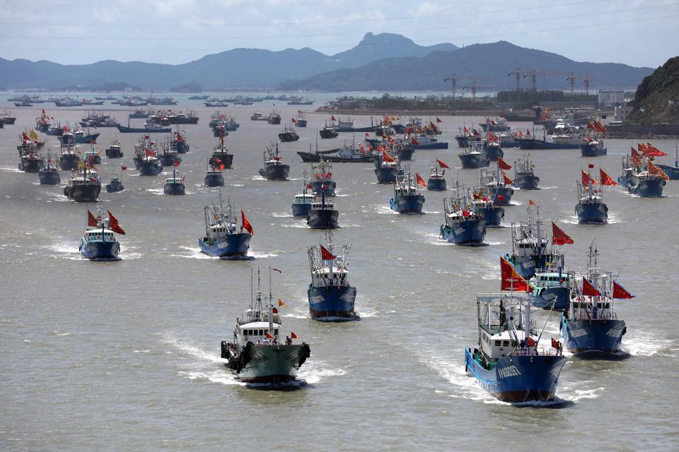 Fishing Boats Set Sail For Fishing In Zhoushan
